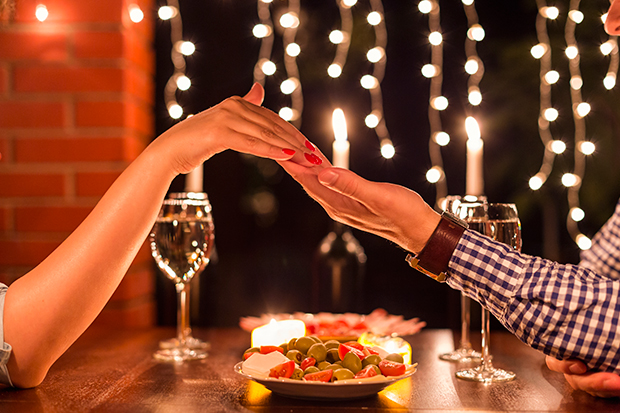 Como planear una cena rom ntica jockey plaza - Cena romantica san valentin en casa ...